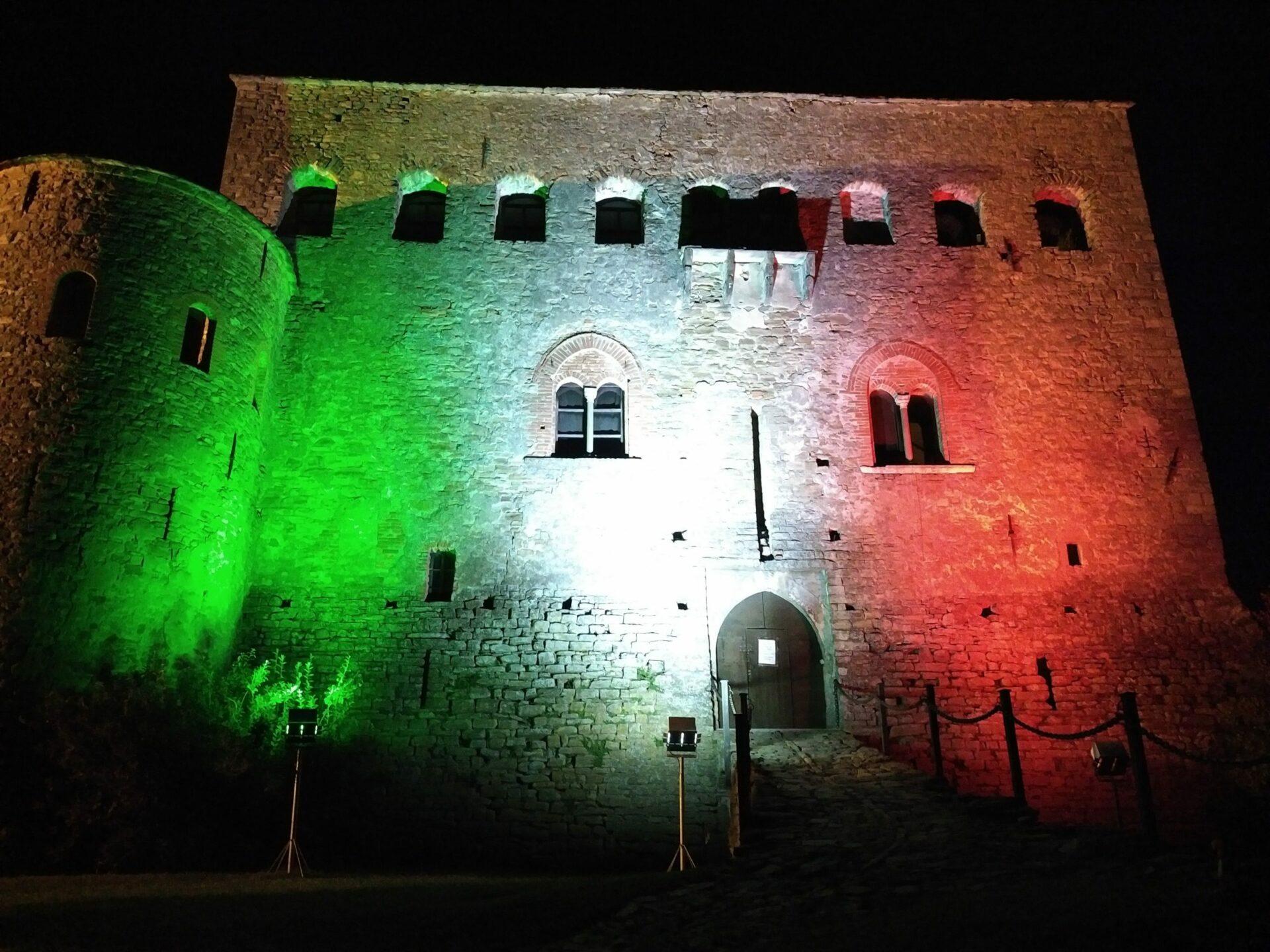 Italien steht zusammen – Unsere Burg – Cascina Madia